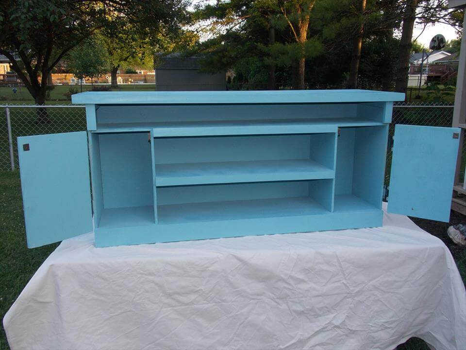 handmade pallet TV stand