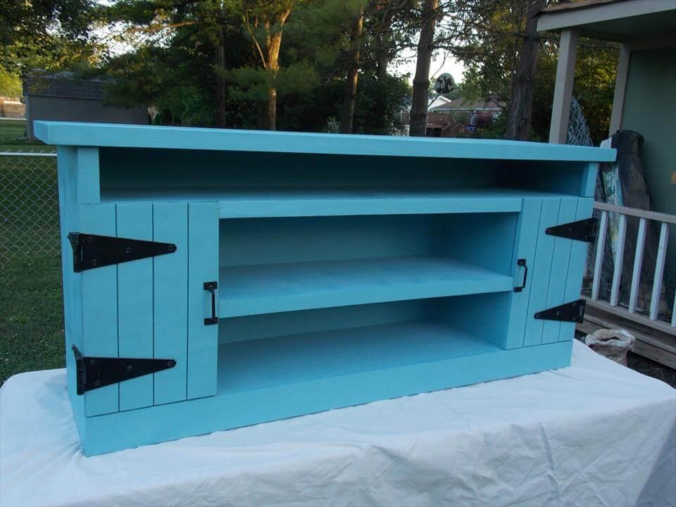 DIY pallet painted TV cabinet
