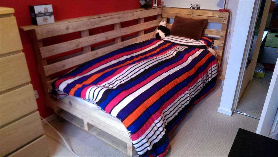 cute pallet bed