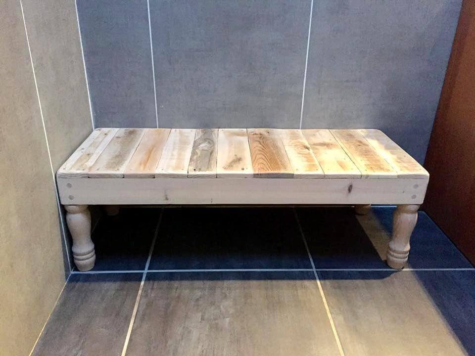 Recycled pallet bathroom table