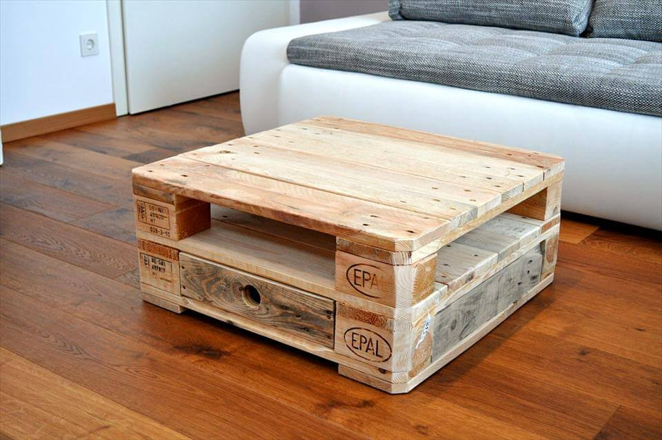 mini coffee table from pallets