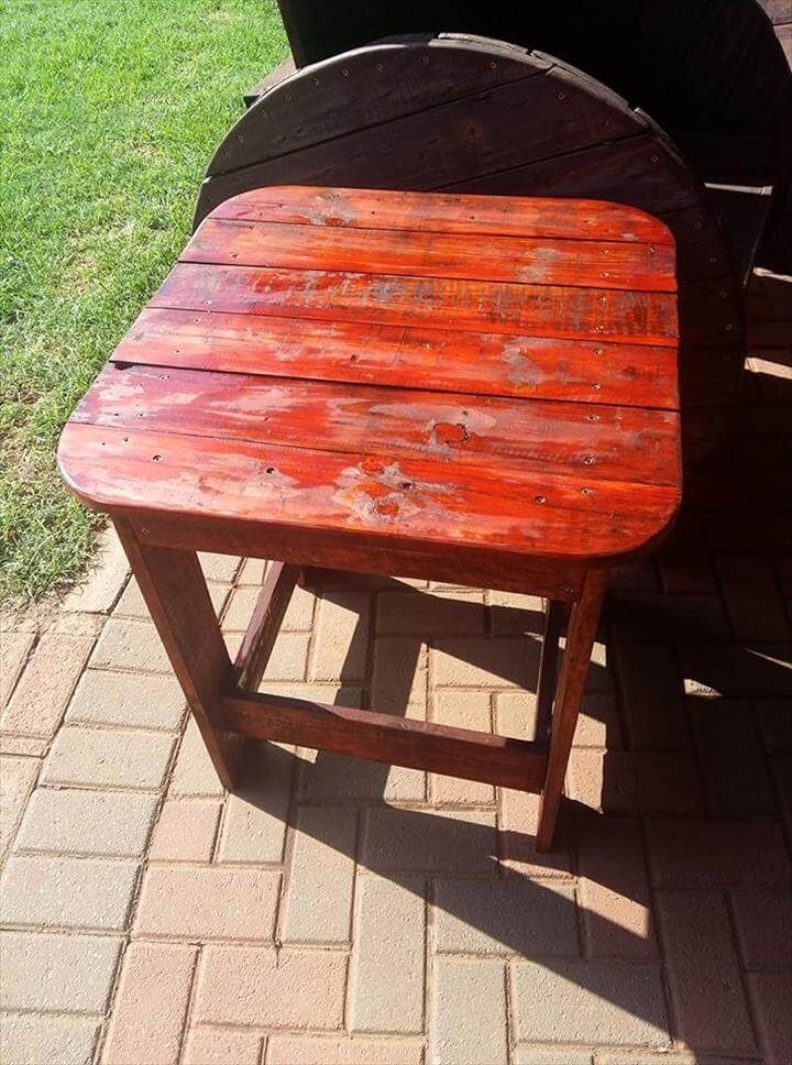wooden pallet outdoor side table