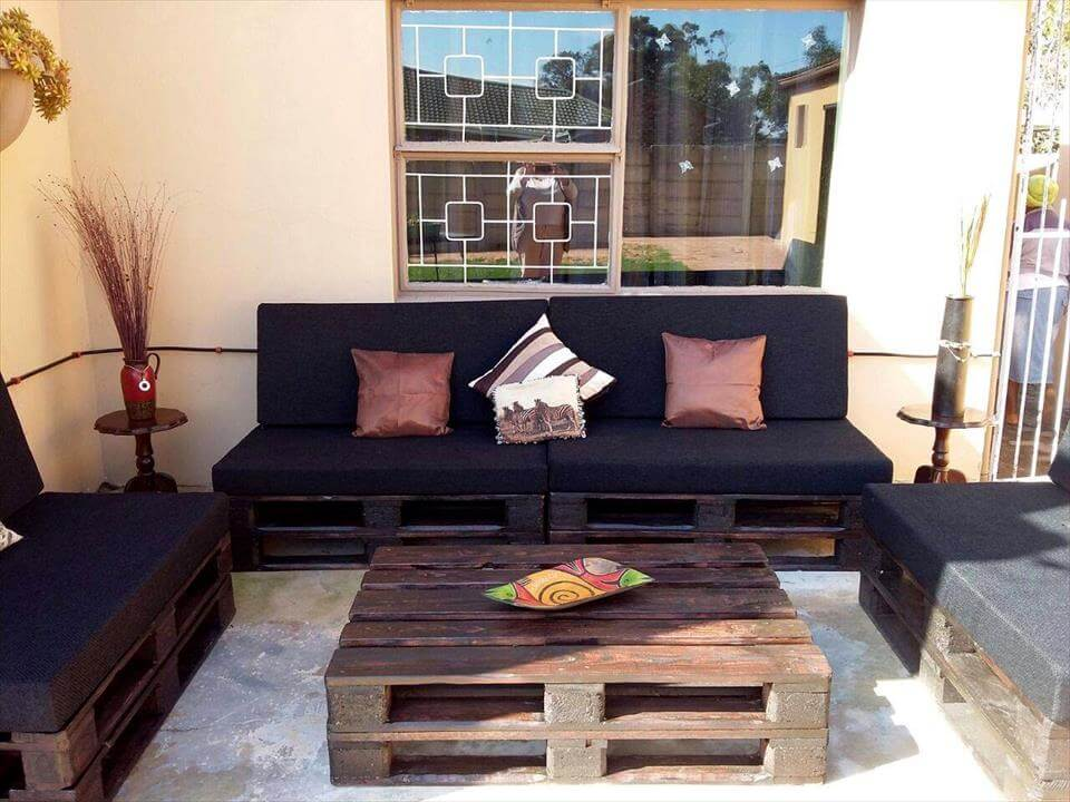Handmade pallet patio seating set