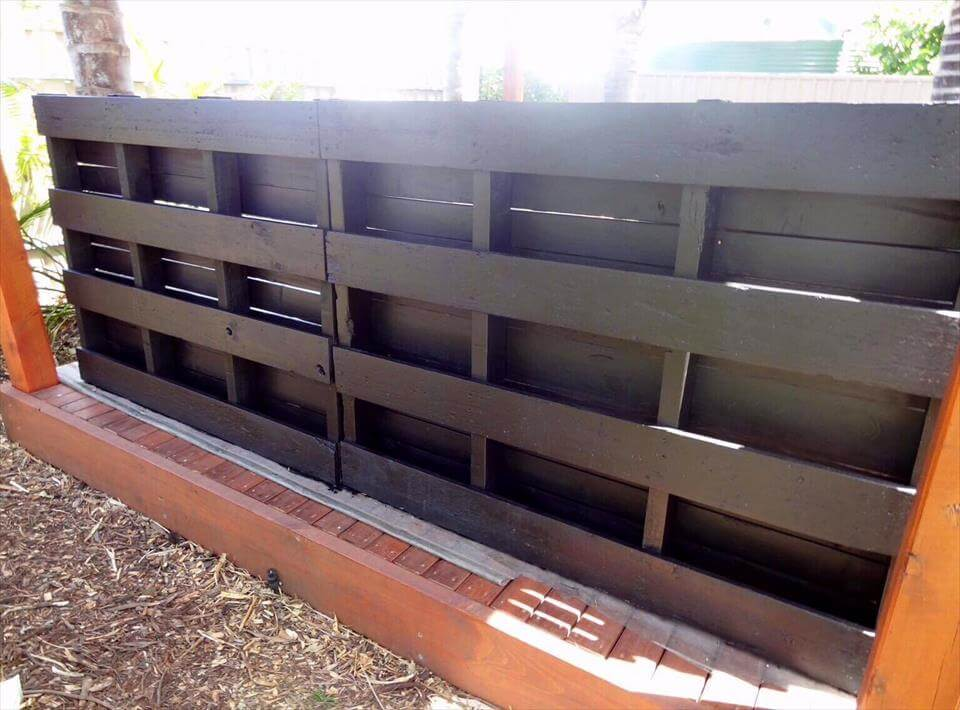 wooden pallet vertical planter