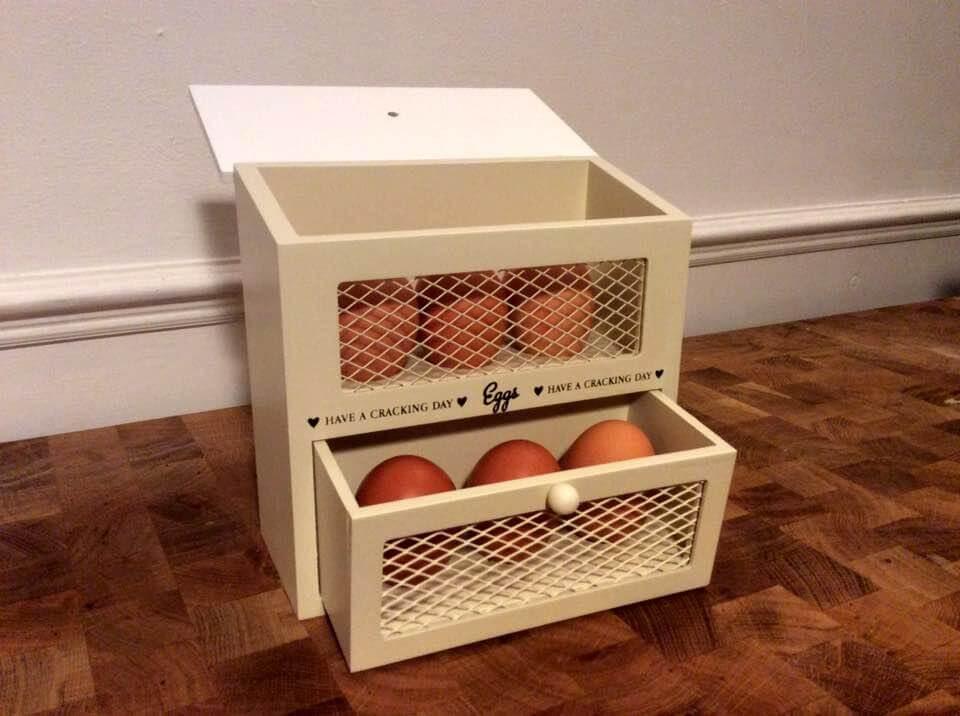 pallet egg holder