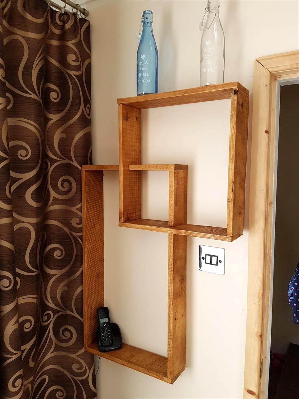 simple and easy pallet shelf design