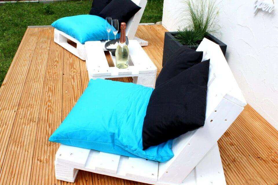 Recycled pallet outdoor lounging set