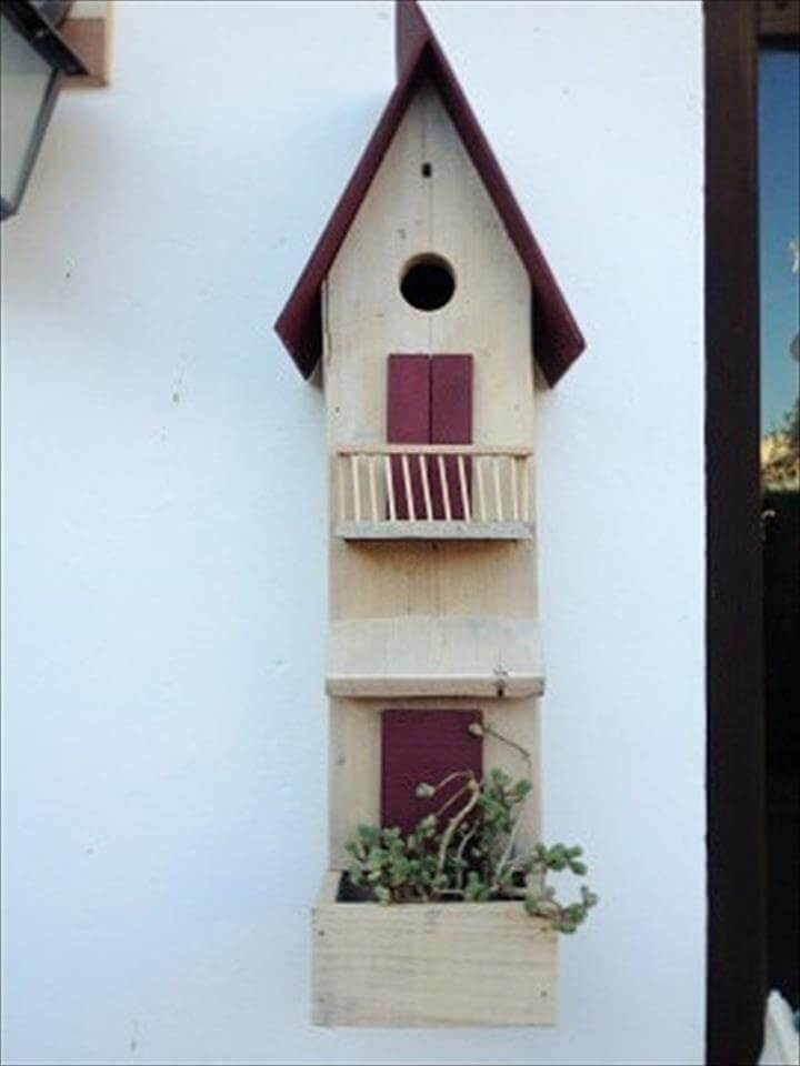awesome pallet bird house