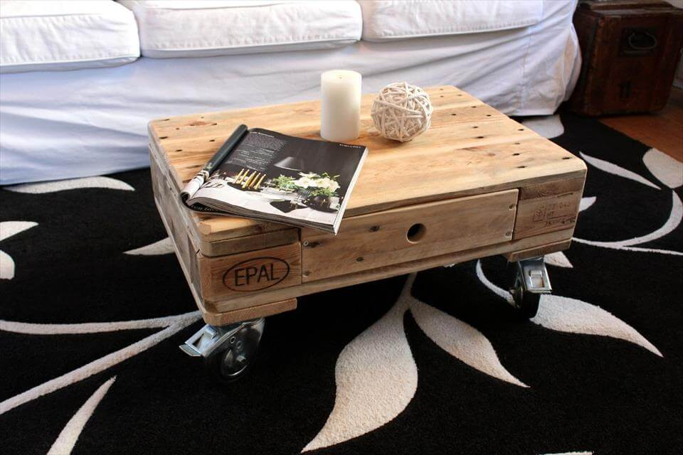 cute pallet mini coffee table