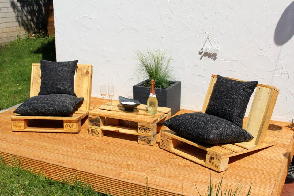 simple pallet resting seats