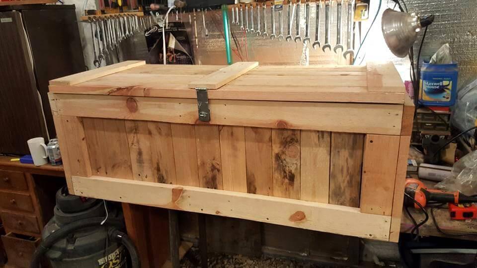 wooden pallet trunk