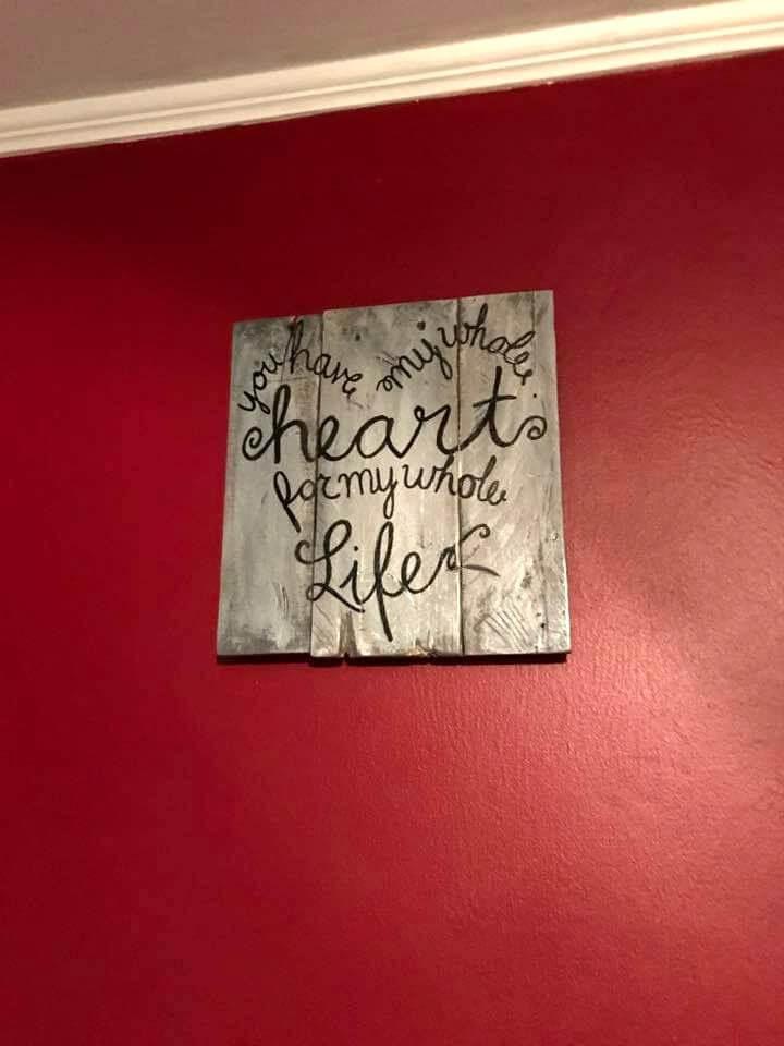 cute pallet wall art
