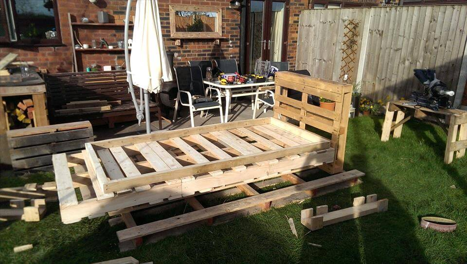 wooden pallet made bed