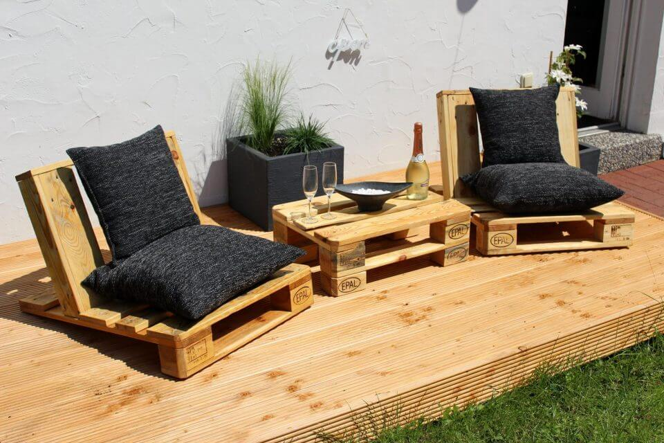 fun seating from pallets