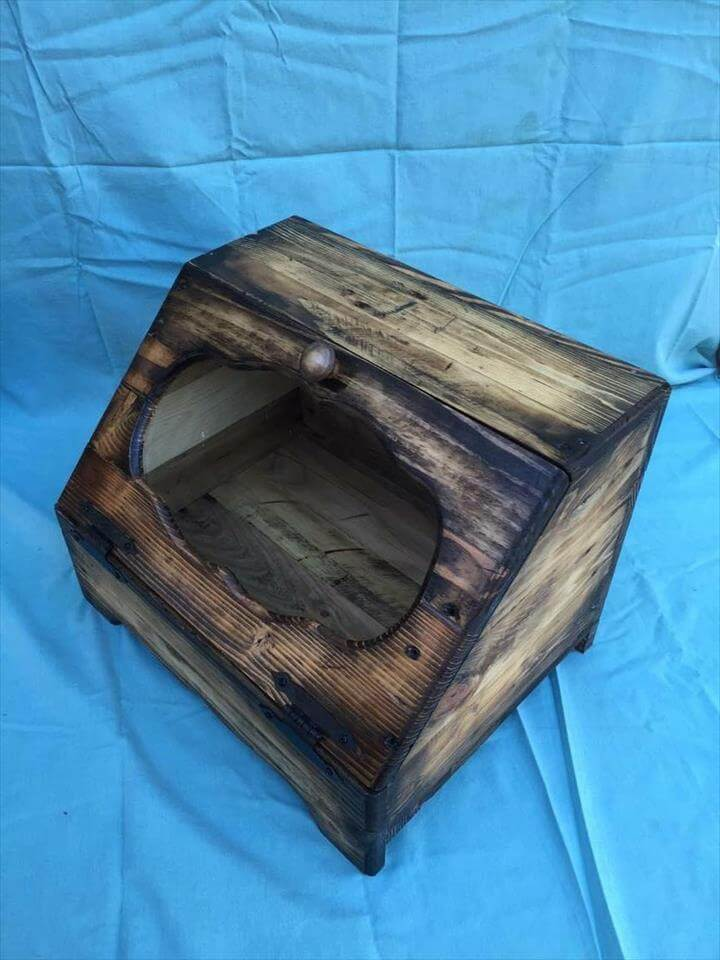 awesome pallet bread box