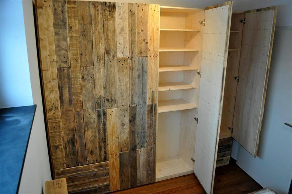 wooden pallet wardrobe design