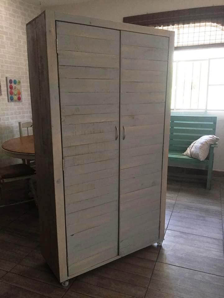 wooden pallet cupboard