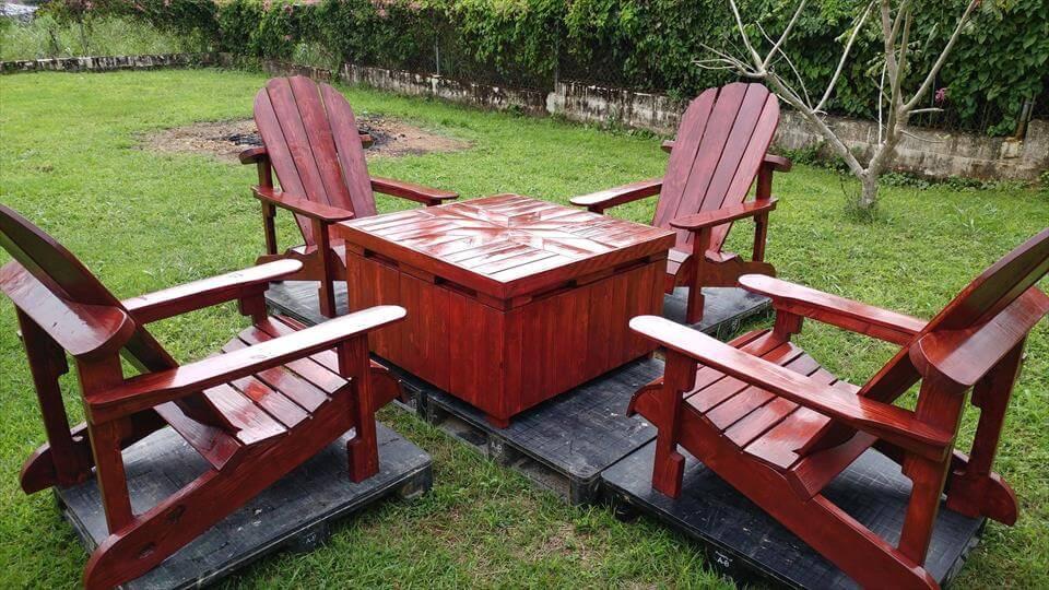 Recycled pallet Adirondack seating