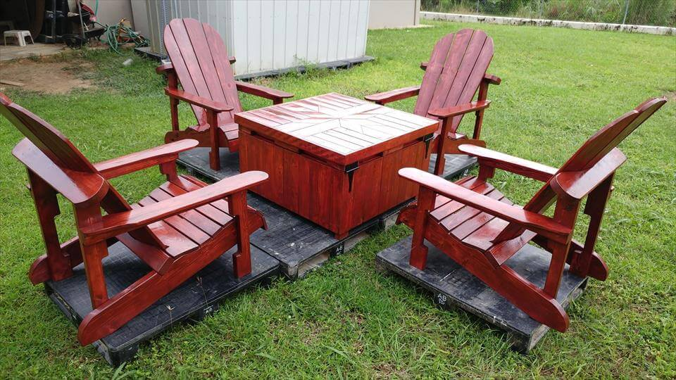 Gorgeous Pallet Adirondack Seating