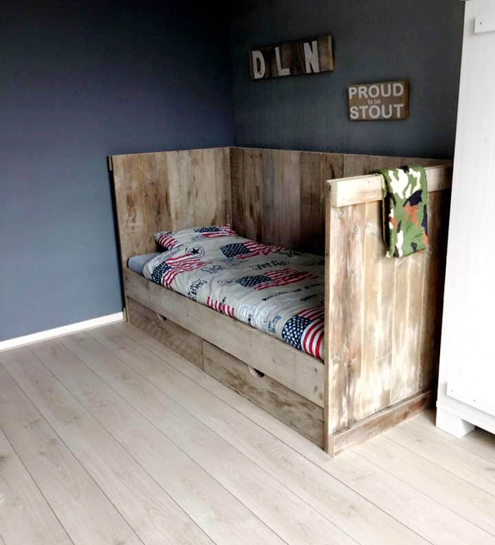 pallet daybed or cushioned seat for kids