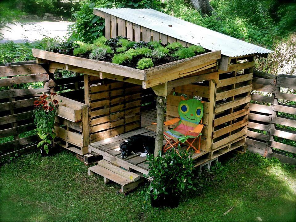 diy pallet dog shack