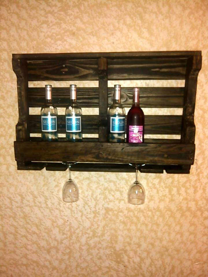 handmade pallet beverage bottle rack
