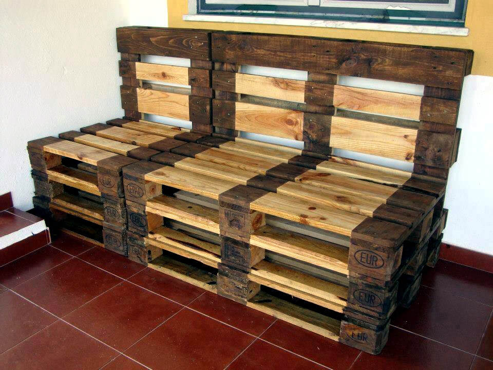 handcrafted wooden pallet bench or seat