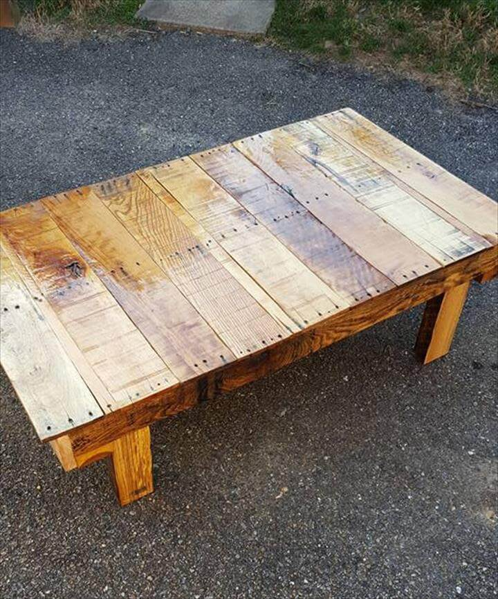 pallet coffee table with short wooden legs