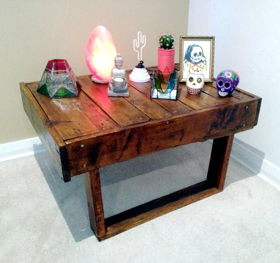 pallet low accent table with flat box like legs