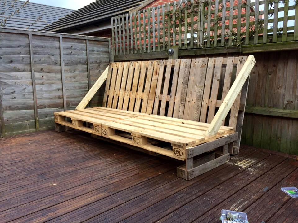 recycled pallet large deck seat