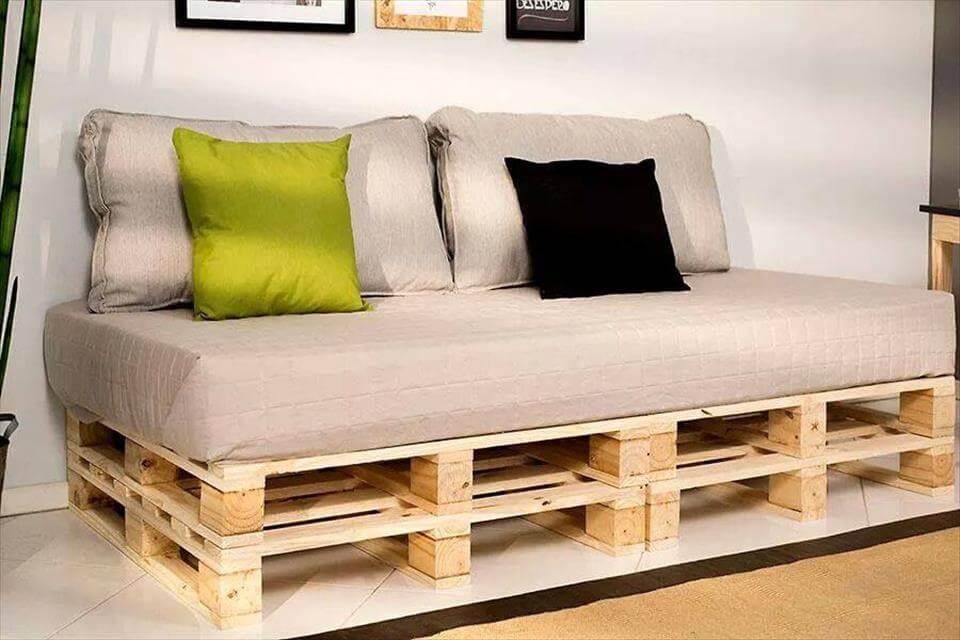 low-cost pallet sofa cushioned for warm feeling of sitting comfort