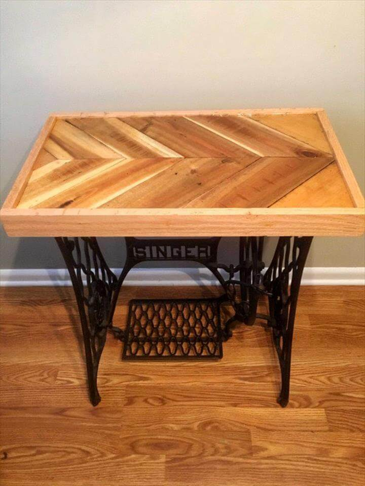 diy pallet and old sewing machine base table