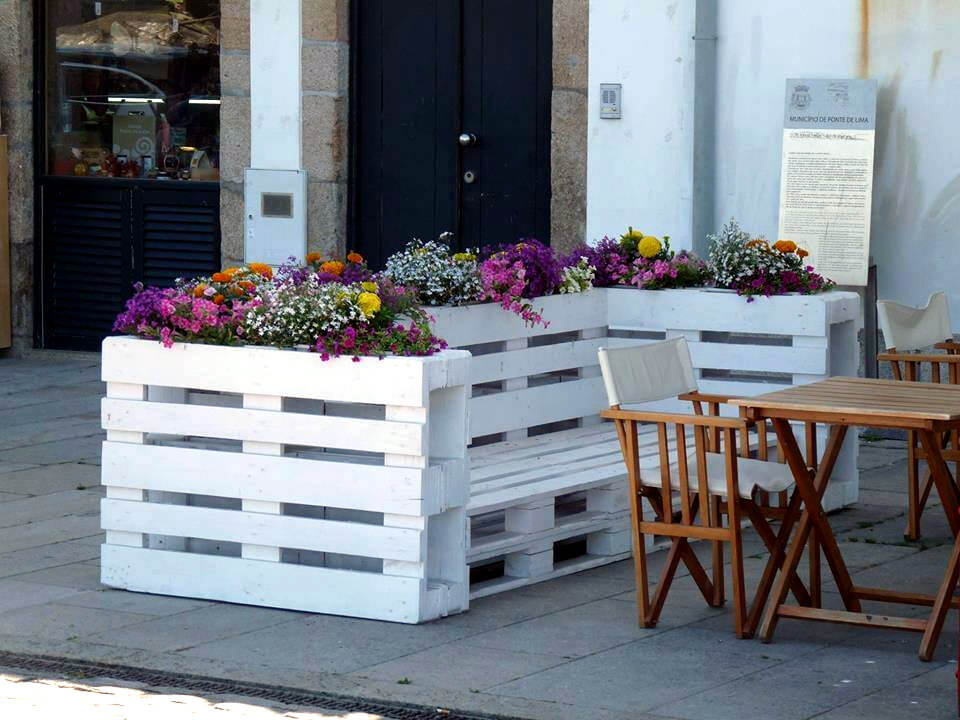 chic white pallet patio bench with planters