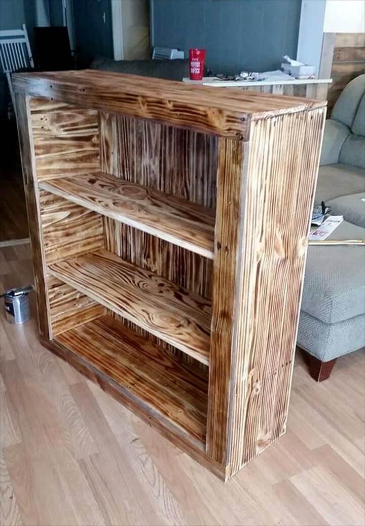 handmade pallet bookshelf