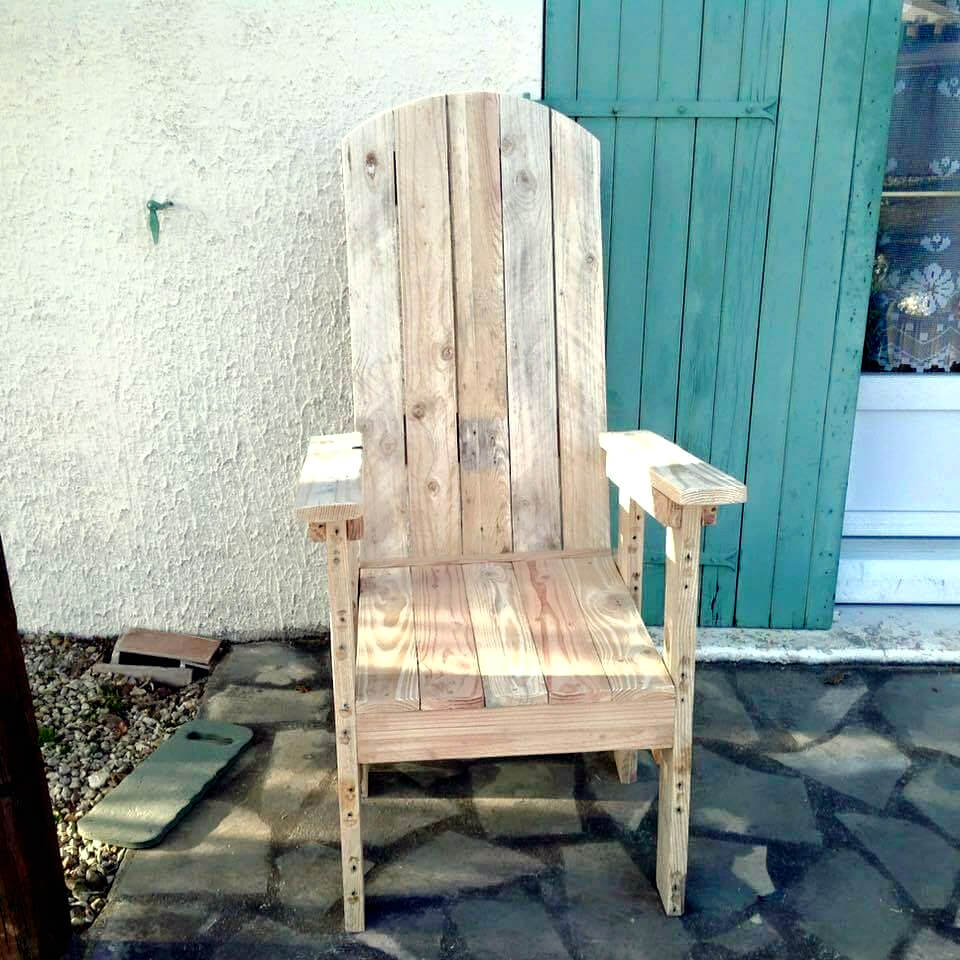 outdoor chair made of pallets
