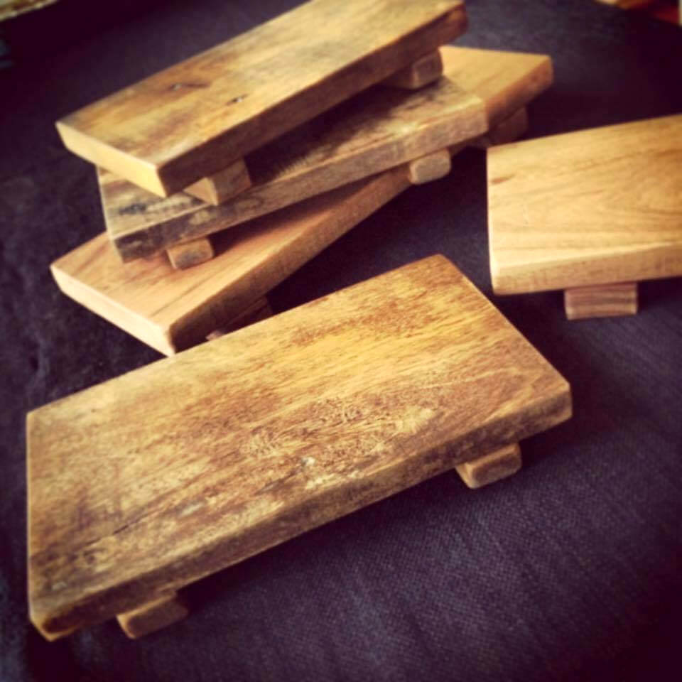 rustic wooden pallet coasters