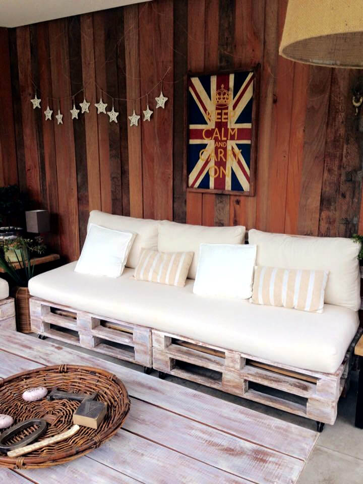 easy-to-build pallet couch