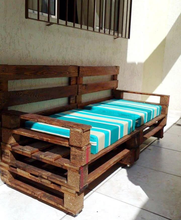 rustic yet modern pallet cushioned porch bench