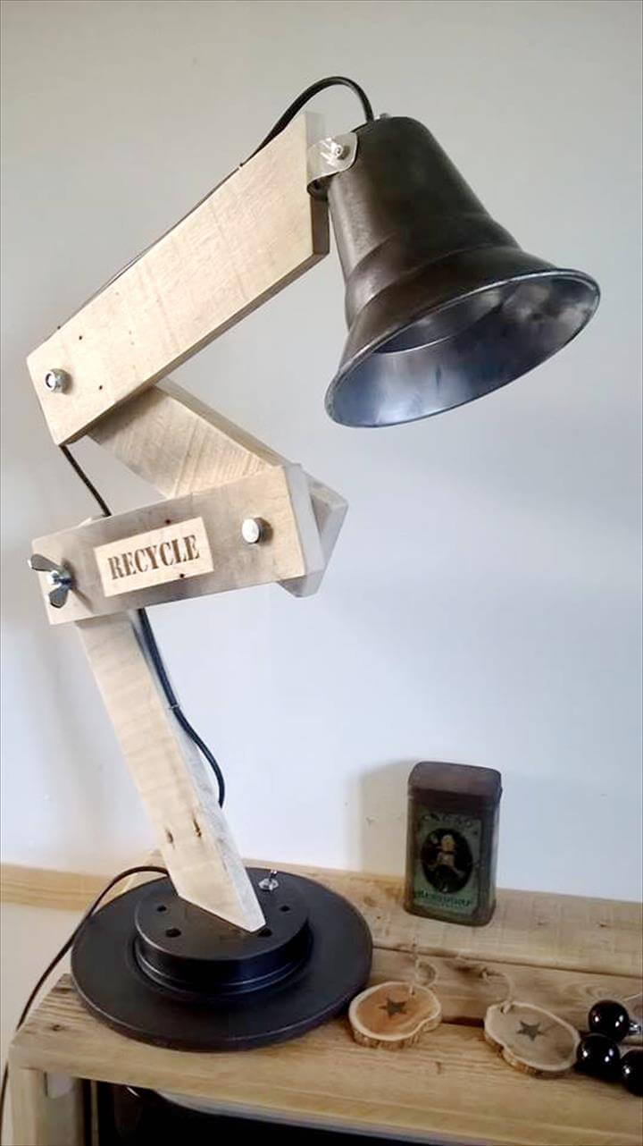 wooden pallet adjustable table lamp