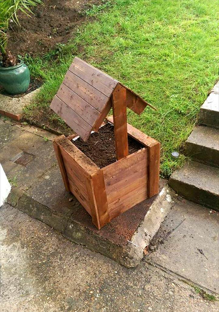 rustic pallet garden bird house