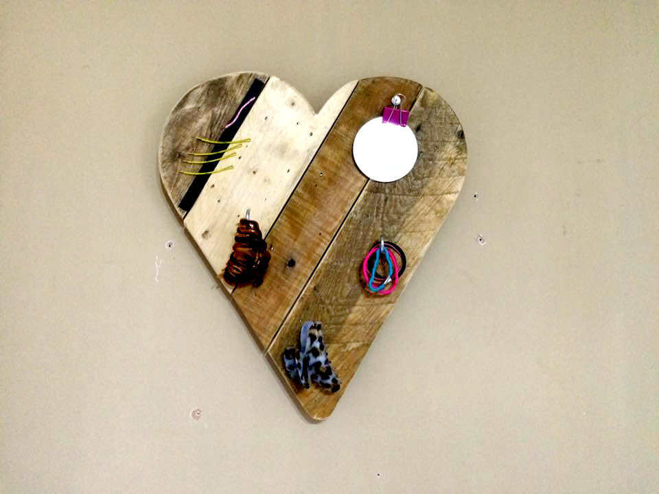 custom pallet heart wall art