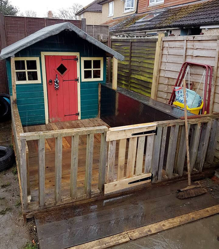 pallet kids house fencing