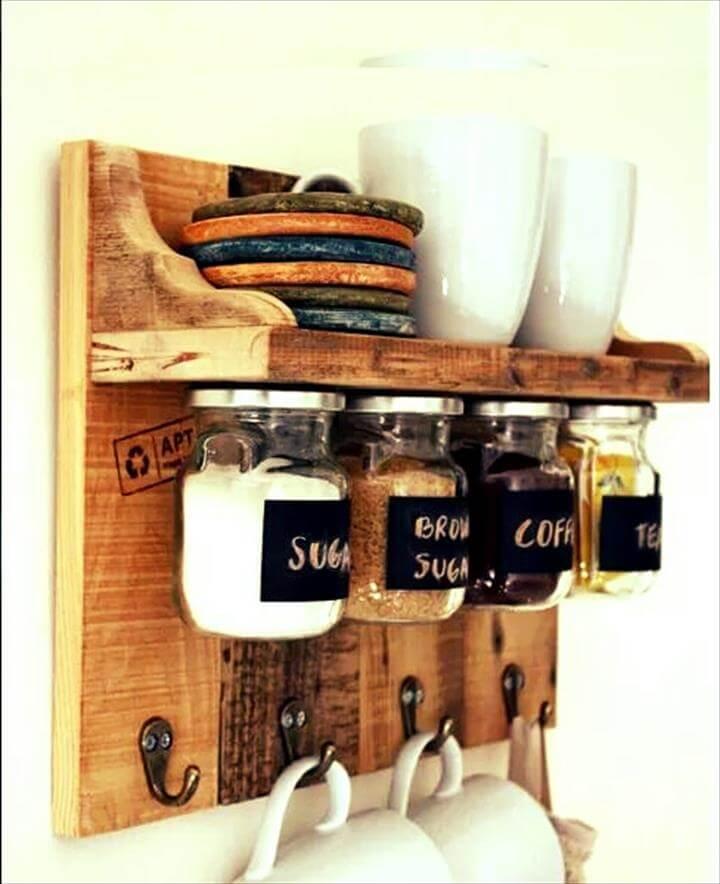 no-cost pallet kitchen tea rack