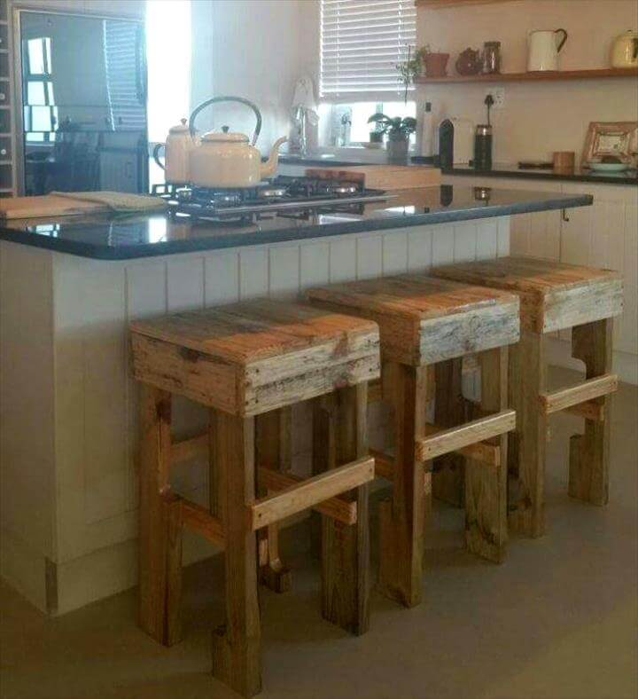 no-cost wooden pallet stools