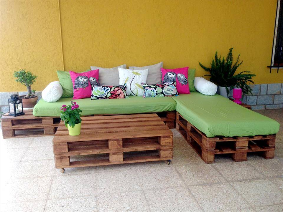 pallet sectional cushioned couch